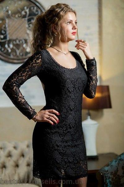 Фото гепюровое черное платье